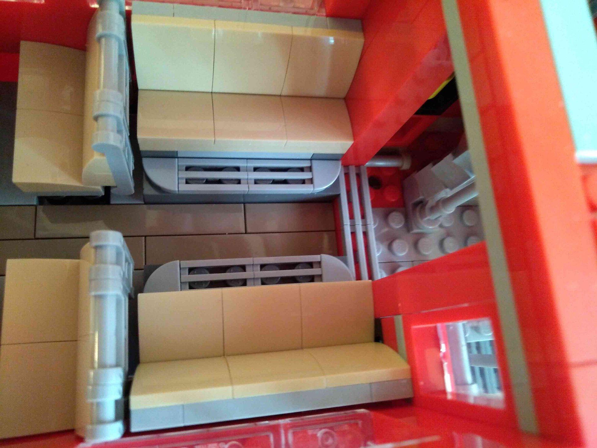 Lego-Creator-Expert-10258-London-Bus-07